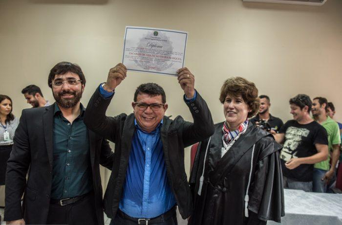 Zacarias Assunção recebe diploma de vereador