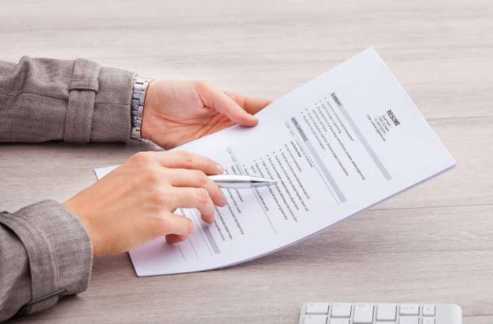 Como melhorar seu currículo para arrumar emprego em 2018